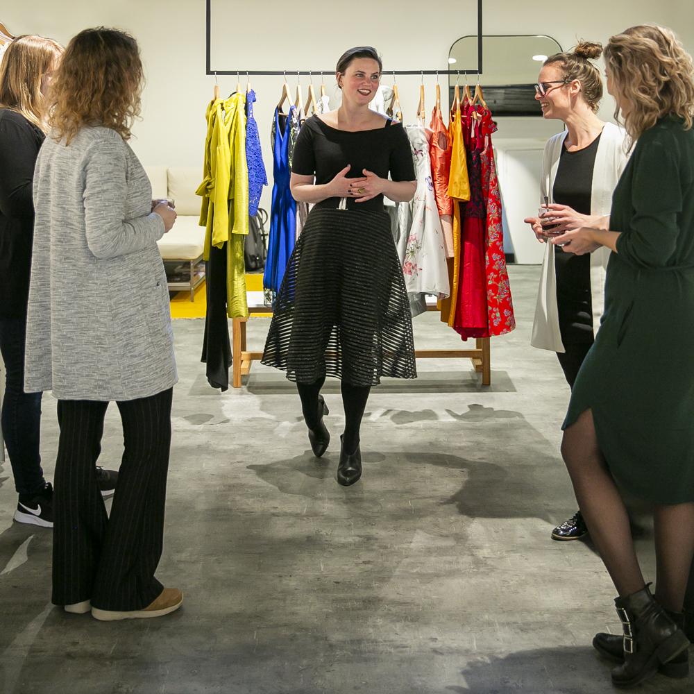 fotograaf : Nina Tulp. nienke | Bijtje, Utrecht, Trouwen in 2020, Wedding, trouwen in Utrecht, Bruisatelier, Ready-to-wear