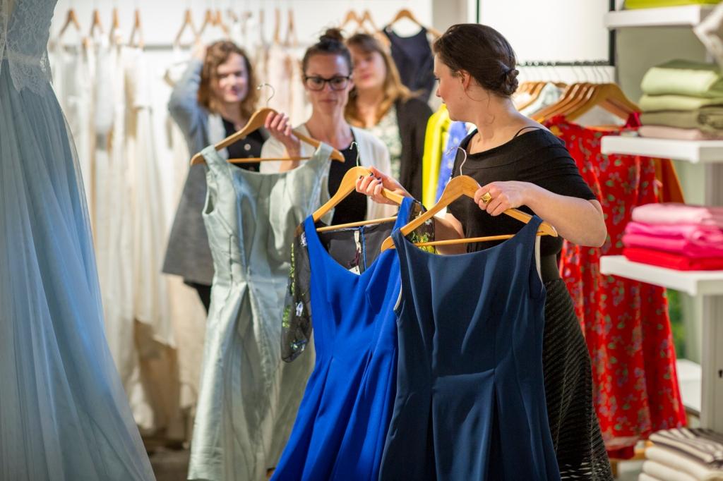Trouwen, Nienke | Bijtje, Atelier, Trouwen in 2020, Utrecht, Wedding, trouwen in Utrecht, Bruisatelier, Ready-to-wear