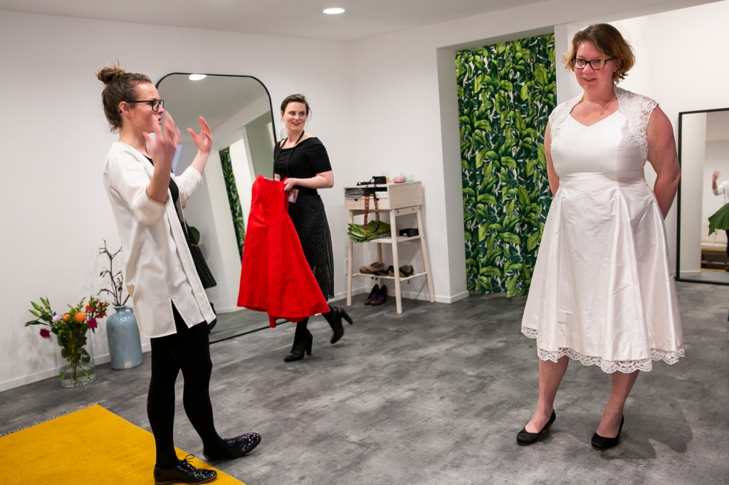 trouwen, Utrecht, Nienke | Bijtje, Trouwen in 2020, Wedding, trouwen in Utrecht, Bruisatelier, Ready-to-wear
